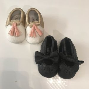 2 pairs of baby moccasins